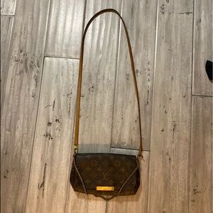 *DISCONTINUED* Louis Vuitton Favorite PM Crossbody
